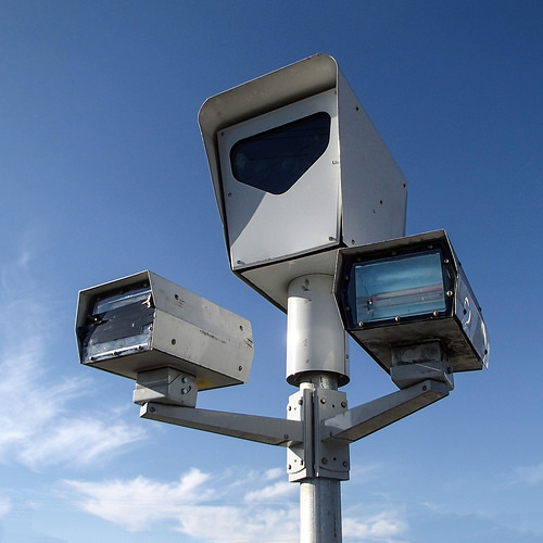 Red Light Camera Check: Scoop On Red Light / Speed Cameras And How To Beat Them